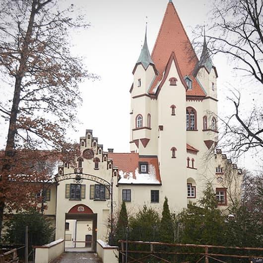 Ausflug auf Schloß Kaltenberg mit Besuch des größten Ritterturniers der Welt