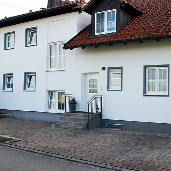Gästehaus - Eingang auf der Nordseite